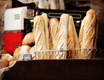 Vers Baguette-Brood in Bakkerij royalty-vrije stock fotografie