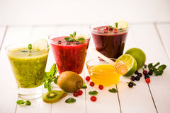 Vers bes en fruit smoothies Stock Foto