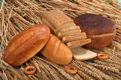 Vers brood op wheaten achtergrond Royalty-vrije Stock Foto's