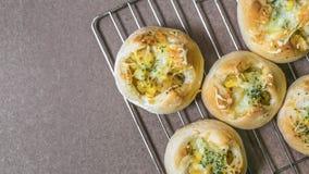 Vers brood van oven & x28; ansjovisaardappel bread& x29; stock foto