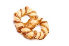 Vers buitensporige gebakken pretzel. Stock Foto's