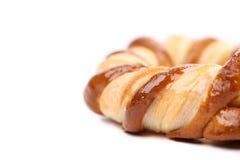 Vers buitensporige gebakken pretzel. Macro. Stock Foto's