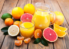 Vers citrusvruchtensap Royalty-vrije Stock Foto's