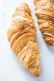 Vers croissant op witte raad royalty-vrije stock fotografie