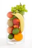 Vers fruit in een kom Stock Afbeelding