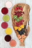 Vers Fruit en Gezondheidsdranken royalty-vrije stock afbeeldingen
