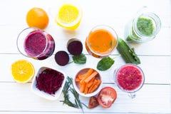 Vers fruit en plantaardige smoothie Stock Afbeelding