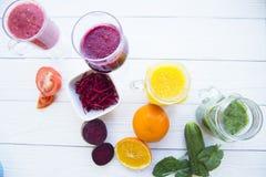 Vers fruit en plantaardige smoothie Stock Foto's
