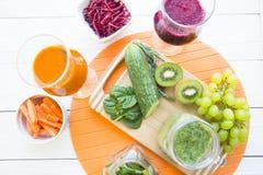 Vers fruit en plantaardige smoothie Royalty-vrije Stock Foto