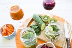 Vers fruit en plantaardige smoothie Royalty-vrije Stock Afbeelding