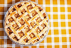 Vers gebakken appeltaart royalty-vrije stock foto's