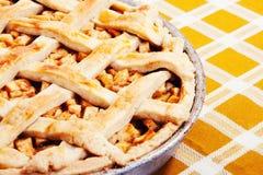 Vers gebakken appeltaart stock afbeeldingen
