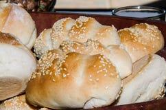 Vers gebakken brood stock afbeeldingen