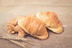 Vers gebakken croissanten royalty-vrije stock afbeelding