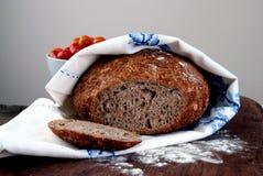 Vers gebakken eigengemaakt brood Stock Foto