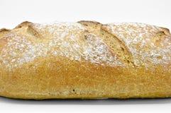 Vers gebakken vers en heerlijk traditioneel roggebrood stock fotografie