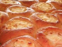 Vers gebakken gestremde melk taartje-1 Stock Afbeeldingen