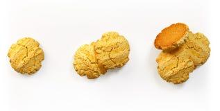 Vers gebakken koekjes geplaatst geïsoleerd Royalty-vrije Stock Afbeelding
