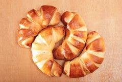 Vers gebakken ongezuurde broodjes Royalty-vrije Stock Afbeeldingen