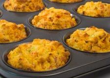 Vers gebakken smakelijke muffins Stock Fotografie