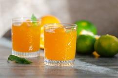 Vers gedrukt jus d'orange, close-up royalty-vrije stock fotografie
