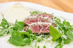 Vers geroosterd rundvleeslapje vlees stock foto's