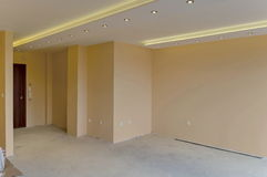 Vers geschilderde ruimte met moderne LEIDENE verlichting Royalty-vrije Stock Foto's