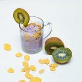 Vers, gezond en heerlijk yoghurtparfait in glaskruik Royalty-vrije Stock Fotografie