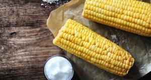 Vers Graan Natuurvoeding van maïskolf met zout Landelijke Mexicaan stock afbeelding