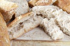 Vers kernachtig brood stock fotografie