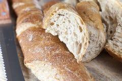 Vers kernachtig brood stock foto's