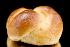 Vers klein brood op zwarte Stock Afbeelding