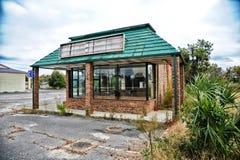 Vers le bas fermé restaurant photographie stock libre de droits