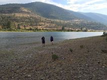 Vers le bas par la rivière ensemble photos libres de droits
