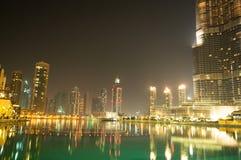 Vers le bas ville de Dubaï Photo stock