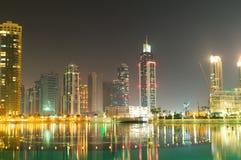 Vers le bas ville de Dubaï Image stock