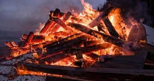 Vers le haut de en des flammes Photo libre de droits