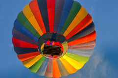 Vers le haut, et loin dans d'un ballon à air chaud Photo libre de droits