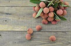 Vers litchifruit op houten lijst Royalty-vrije Stock Foto