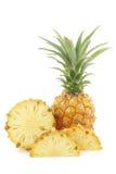 Vers miniananasfruit en een besnoeiing  Stock Afbeelding