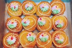 Vers oranje de cake Thais dessert van de jamkop stock foto's