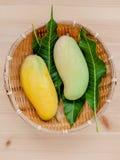 Vers organisch traditioneel Thais mango's hoog vitaminen en mineraal Stock Foto's