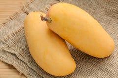 Vers organisch traditioneel Thais mango's hoog vitaminen en mineraal Stock Foto