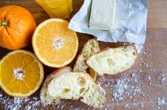 Vers sinaasappelen, sap en gebakje 3 Royalty-vrije Stock Afbeeldingen