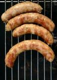 Vers vlees op een BBQ tribune Royalty-vrije Stock Afbeeldingen