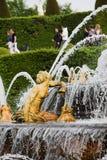 Versailles-Brunnen Frankreich women_1 Stockfotos