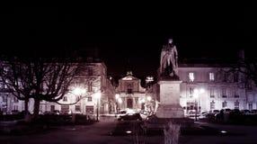 Versailles-Nachtskulpturmonument Stockbild