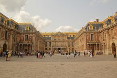 Versailles, Paris, Frankreich - August 26,2017: Schönes Schloss mit speziellem Entwurf lizenzfreie stockfotos