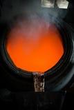 Versamento d'acciaio caldo in acciaieria Fotografie Stock