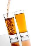 Versamento dell'alcool Fotografie Stock